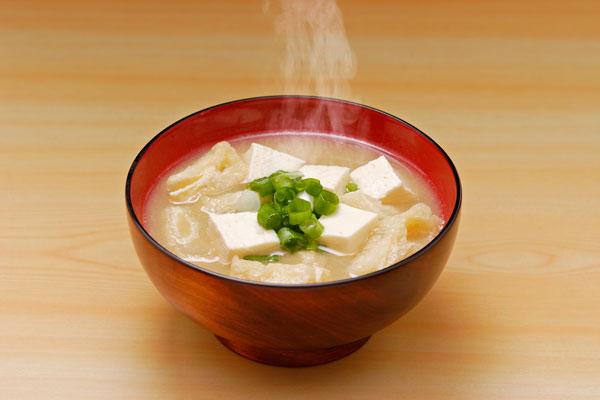 味噌汁 湯気 画像